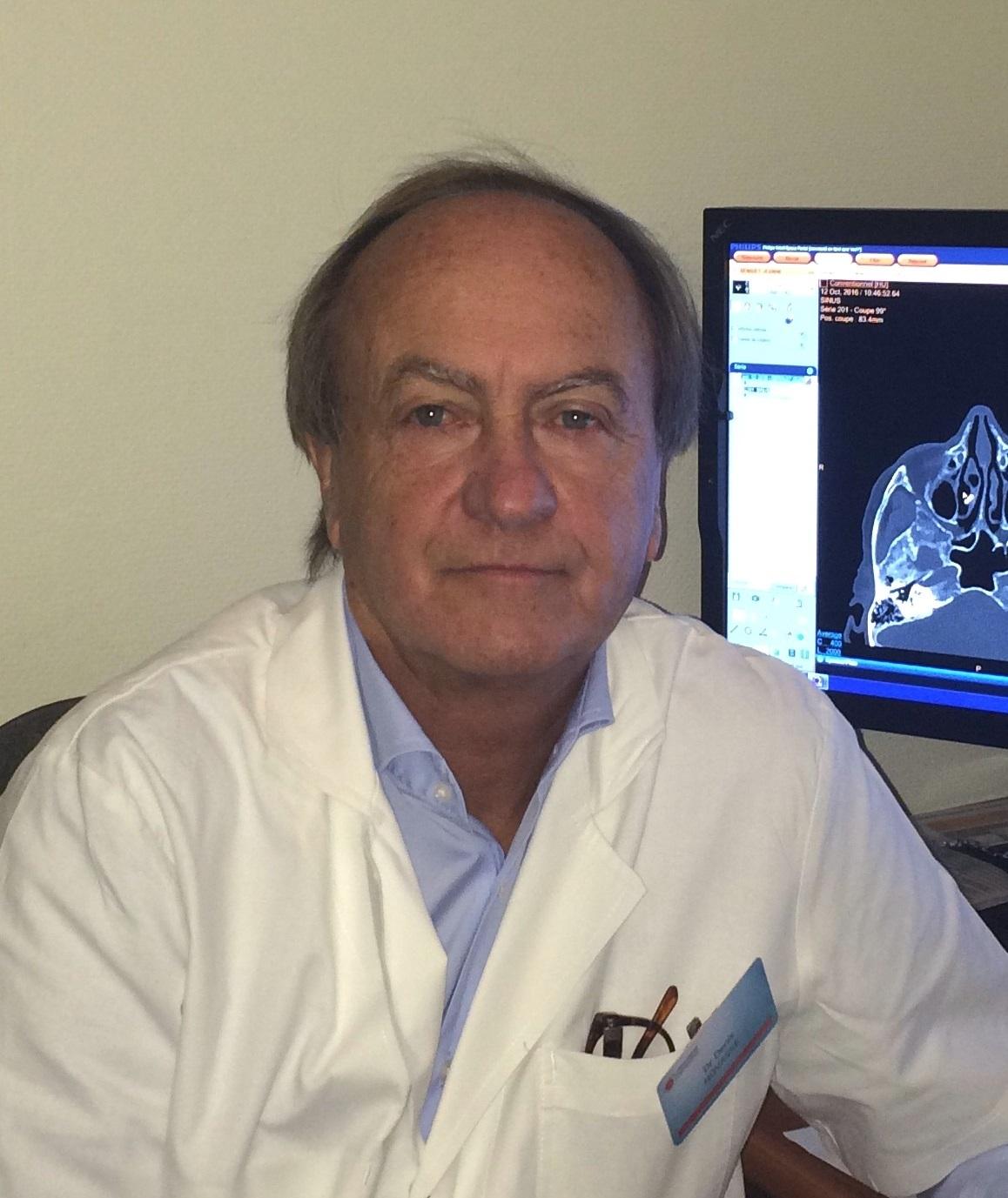 Dr Denis Hovasse, radiologue, responsable du centre d'imagerie de l'hôpital privé d'Antony