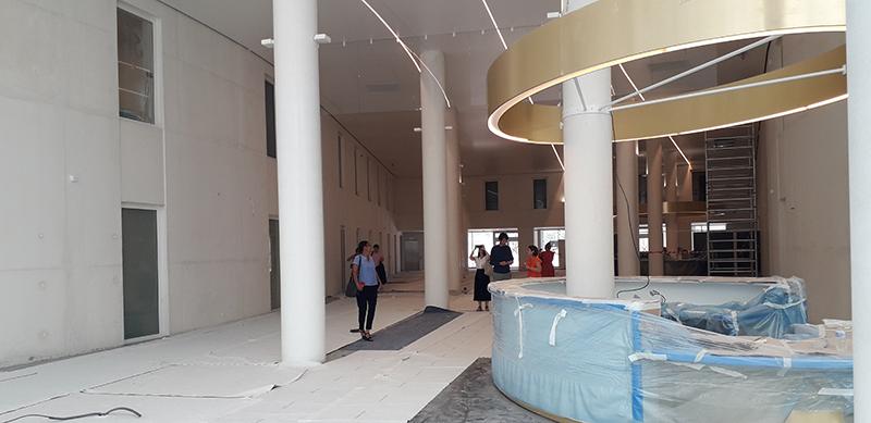 Hall central de la clinique Saint-Jean à Montpellier (photo Sylvain Labaune)